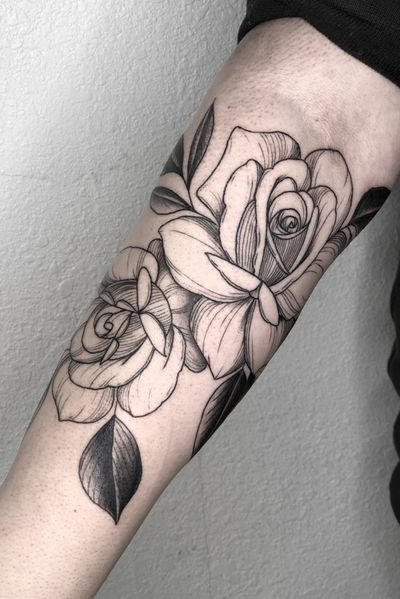Roses #tattoo #tattoos #blackandgreytattoos #inkedmag#myinkaddict #lasvegas #tattooworkers #tattooartist #inked #blacktattoo #tattooart #worldofpencils #artist #floral#floraltattoo #lasvegastattoo #lasvegastattooartist #dotwork #iblackwork #artist #inked#rose #blxink #rosetattoo #roses#crosshatch#blackworkerssubmission