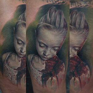 #colortattoo #realistictattoo #bloodytattoo  #tattoo #tattoos #tattooed #inked #ink #inked #inklife #stuttgart #mannheim #mireltattooartgallery #tattoolife #insane   #horror #blood #walkingdead #helnwein