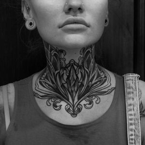 #ornamental #ornamentaltattoo #necktattoo #inkedgirl #girlwithtattoo #blacktattoo #boldlines #dotwork #blackwork #blackworktattoo #berlin #keblacktattoo