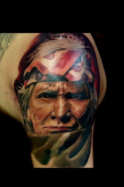 Indian ! #colortattoo #indiantattoo #realism #AlanRamireztattooartist #portraittattoo #tattoo #tattooartist #ink