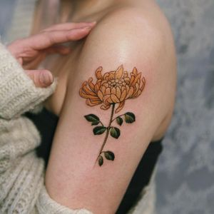 Tattoo by Sion #Sion #naturetattoo #nature #animal #plants #environment #chrysanthemum #flower #floral #leaves