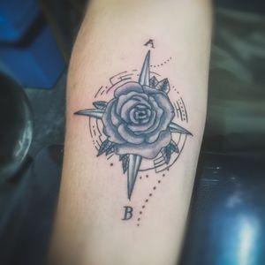 Rosa de los Vientos (Shades)