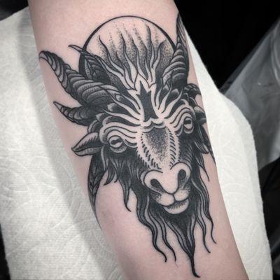 #goat #goattattoo #tattoo #ohiotattooers #clevelandtattooartist #thisiscle #blackandgrey #Black #blackwork #satanicgoat #animal #traditional