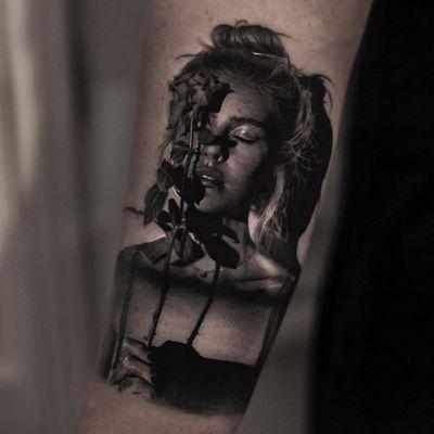 Tattoo by Inal Bersekov #InalBersekov #blackandgrey #realism #realistic #hyperrealism #portrait #lady #ladyhead #rose #flower #floral