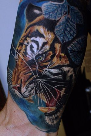 Tiger #tigertattoo #colortattoo #realism #color #tiger #AlanRamireztattooartist