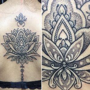 A detail. #tattooartist #tattooart #tattoolife #tattooaddict #dotwork #dotworktattoo #blackwork #blackworktattoo #linework #lineworktattoo #flortattoo