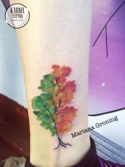 Our specialty are cuatomed tattoos. Somos un estudio privado de tatuajes en la Ciudad de México. Nos especializamos en tatuajes a la medida. Si buscas un tatuaje con la mejor calidad, sin que te cueste un ojo de la cara, contáctanos por medio de nuestro sitio web: www.karmainkcollective.com #tattoo #tatuaje #mexicocity #cdmx #claveria #marianagroning #ginazajec #karmatattoo #karmatattoomx #blackwork #tatuajemexico #tatuadora #mexicana #tatuadoramexicana #watercolor #watercolortattoo #colortattoo #colortattoos #watercolortattooartist #watercolour #watercolourtattoo #watercolourtree #watercolortree #trees #tree #autumn #fall #summer