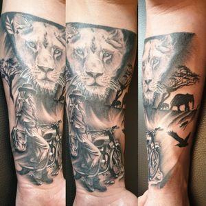 #safari #jungletattoo #liontattoo #bike #animals #sleevetattoo #inprogress #blackngreytattoo #tattosofinstagram #tattooartist #tattooist #tatooing #rotarytattoomachine #dynamicink #nuclearwhiteink