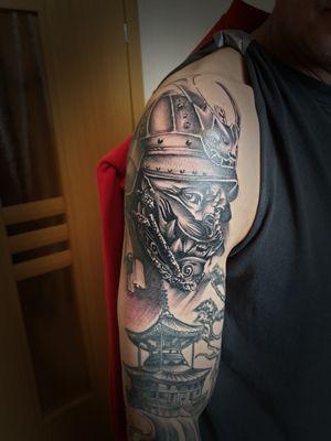 #jappantattoo #sleevettattoo #samuraitattoo #templetattoo #blackngrey #rotarytattoomachine #dynamicink #nuclearwhiteink #kvadronneedles #tattooits #tattooing