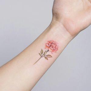 #flowertattoo #wristattoo #smalltattoos #peonyflower #tattooist_silo