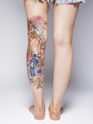 #coveruptattoo #legsleeves #flowertattoo #floraltattoo #birdtattoo #colortattoo #delicate #koreatattoo #koreantattooartist #tattooist_silo