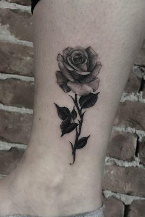 3-liner rose 🖤
