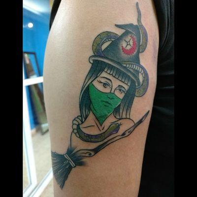 #tattoo #inked #ink #inkplay #witch #witchtattoo #feminism #femimismo #tatuajesfemimistas #verde #pañueloverde #bruja #luchotattoo #luchotattooer