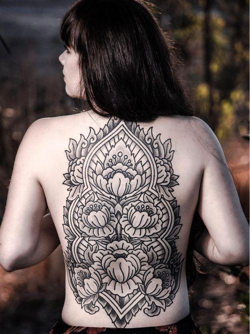 Tattoo by Aries Rhysing #AriesRhysing #flowertattoos #flowertattoo #flower #floral #nature #plant #ornamental #backpiece #backtattoo #peony