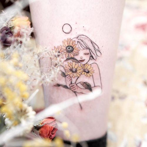 Tattoo by Zihae #Zihae #flowertattoos #flowertattoo #flower #floral #nature #plant #illustrative #portrait #sunflower