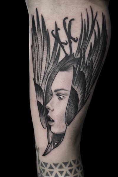 #raven #crow #ladyhead #portrait #dotworktattoo