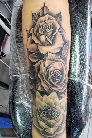 Rosas en grises...
