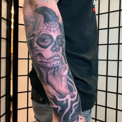 Day of the Dead girl on outer forearm. #manchester #manchestertattoo #realism #blackandgrey #blackandgreytattoo #dayofthedead