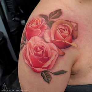 #Roses . . . . #colorrosestattoo #rosestattoo #colortattoo #realismtattoo #portraittattoo #darkarts #ArtFromHell #tattooartistfromCT #tattoofromhell #customtattoo #darkart #artist #tattooartistfromCT #tatuajesenCt #MannyTattooArtist #ManuelCruzTattooArtist #shouldertattoo #customtattoo