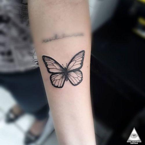 """""""Não haverá borboletas se a vida não passar por longas e silenciosas metamorfoses."""" • • Feita no estúdio @falconeritattoo Mais uma pra coleção da @simplicio_ Orçamentos e contatos:  Whatsapp: (11)9.9377-6985 E-mail: ericskavinsk@gmail.com  Ou via direct.  . . . . #ericskavinsktattoo #butterflytattoo #tattooborboleta #conceitojoia #inked #delicatetattoo #tatuagemdelicada  #republica #micropigmentacao #girl #tatuagem #moda #lifestyle #estilodevida #drawing4tattoo #tattoopins #tattsketches #love"""