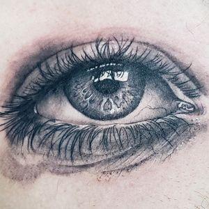 eye black and grey style