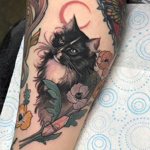 Tattoo by Hannah Flowers #HannahFlowers #moontattoos #Moontattoo #moon #night #nightsky #nature #sky #color #neotraditional #poppy #flower #floral #cat #kitty #petportrait #crystal