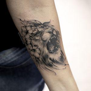 Lion #liontattoo #femalelion #lion #leaotattoo