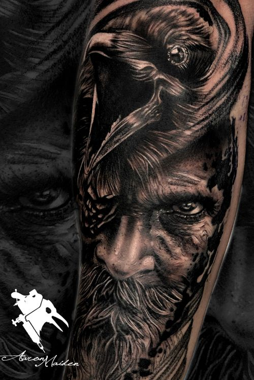 @aaronmaidentattoo en Model Ink. #tattoodo #tattoosrtist #blackandgrey #realism #realistic #Odin #valladolid #tattoo #ink #thebestspaintattooartists #thebesttattooartists #odintattoo #raven #raventattoos #inked