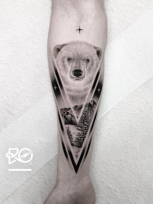 Tattoo by Robert Pavez #RobertPavez #finelinetattoos #fineline #delicate #linework #illustrative #landscape #polarbear #bear #mountain #forest #snow #geometric #dotwork
