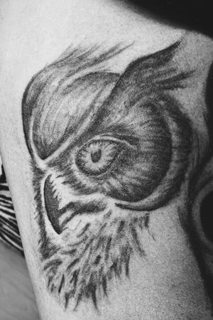 Owl tattoo. Practise piece on my leg. #owl #blackandgray #blackwork #legtattoo #shading