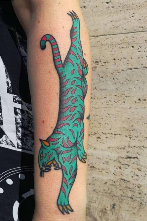 Psychedelic tiger #tattoos #traditionaltattoos #tattooart #tattooartist #tttism #tattoodesign #tattooitalia #boldwillhold #inkcultr #ssoo #tattooistartmagazine #tattoooftheday #traditionaltattoos #ink #inked #bright_and_bold #weirdotattooing #tattoodo #tattoolifeitalia #tattoolifemagazine #flashworkers #italy #torino #imagoamens #Bologna #tattooexpobologna