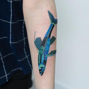 Fish cover up tattoo by Zihee #Zihee #selfharmscarcoveruptattoo #coveruptattoo #scarcoveruptattoo #scarcoverup #coverup #fish #color #oceanlife