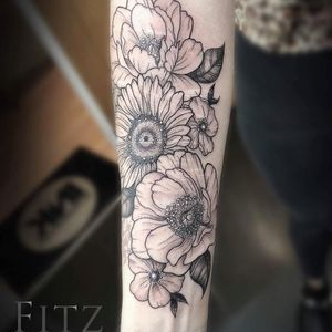 Floral cover up tattoo by Fitz #Fitz #fitztattoos #selfharmscarcoveruptattoo #coveruptattoo #scarcoveruptattoo #scarcoverup #coverup #flowers #sunflower #rose #peony #magnolia #leaves #floral #nature #leaves
