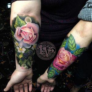 A couole of fun rose tattoos i did at a concention in Northern California. #tattoo #tattoos #ink #inked #tattooidea #tattooideas #amazingtattoos #realismtattoo#femininetattoos #tattoodesign #besttattoos #amazingtattoo #superbtattoos #fusionink #tattoodo #tattoodooapp #lizvenom #floraltattoo #rosetattoo #tattoorose #edmontontattoo #edmontonink #skinartmag #rose #berry #halfsleeve #realism #floral #color #colourful #edmonton #yeg #canada #london #uk #scotland