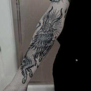 Tattoo by Gery Tattoo #GeryTattoo #besttattoos #favoritetattoos #awesometattoos #tattoodoapp #tattooartist #tattoodoappartists #blackwork #illustrative #arrows #goat #darkart #linework