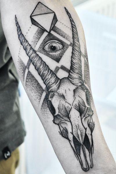 #dotowork #blackwork #skull #tattoo #goat #blackandgrey #graphic