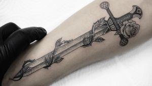 Sword #swordtattoo #blackworktattoo #LineworkTattoos #dotworktattoos