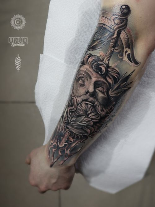 One of my favourites from recents ! Thanks man for that project 🔥 Less than a month before my tour starts, so if you are looking to get a tattoo done with me, email! First destination - DENMARK  saint.wandal@gmail.com Sponsored by @yayofamilia Done using @fusion_ink , @fkirons , @cheyenne_tattooequipment , @piranhatattoosupplies , @barberdtssupplies & @killerinktattoo #radtattoos #killerink #londontatt  #superbtattoos #tattoorealistic #inkig #tattoosnob #tattooworld #wandaltattoo #tattooeurope #inkjunkeyz #neptune #poseidon  #london #londontattooist #blackandgreyrealism #blackandgray #sweden #helsingborg #killerink #yayofamilia #tattoosformen #русскийлондон #татуировка #тату #лондон