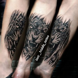 Tiger Black and grey tattoo One session