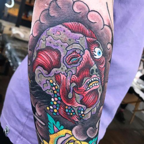 Tattoo by Deathsure #Deathsure #RobertWilden #SurrealTraditionalTattoos #Traditionaltattoos #surrealtattoos #surrealism #oldschool #AmericanTraditional #portrait #muscle #anatomy #darkart #horror #severedhead
