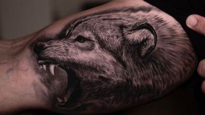 @claytattoos @claytattoos #wolf#tattoos#inkedup#Tattoodo#tattooist#Texas#texasinkmagazine#inked#claytattoos#blackandgreytattoos#realism#realistic#sullen#