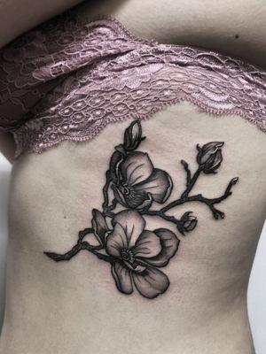 Instagram: @olga_tattoos E-mail: Olgamdtattoos@gmail.com #london#londontattoos#shoreditch#customdesign#customtattoos#bw#blackink#blscktattoos#tattoo#tattoos#tattooed#tattooers#blackwork#blackink#blackworkers#blackworkers_tattoo#ttt#tttism#ldnttt#london#ink#londontattoos#uktattooers#blacktattoos#blackandgrey#blackandgreytattoos#realistictattoo#art#blackandgreytattoos#magnolia#magnoliatattoo#flowertattoos