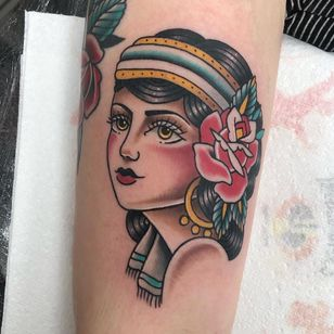 Tattoo by Alice SB #AliceSb #color #traditional #newschool #neotraditional #mashup #bold #bright #ladyhead #lady #rose #flower #floral #portrait