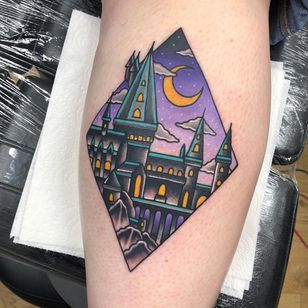 Tattoo by Alice SB #AliceSb #color #traditional #newschool #neotraditional #mashup #bold #bright #harrypotter #hogwarts #castle #school #architecture #building #moon #stars #nightsky