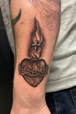 #sacredheart done the other day on the homie @23oscar23 #ink #inked #losangeles #artist #diverse #fineline 3236170642 text me with any questions or inquiries, thanks for looking #juliustattooer