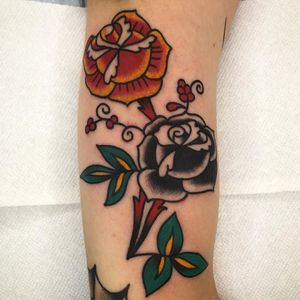 Tattoo by Jeff Sypherd #JeffSypherd #rose #flower #floral #traditional #color #oldschool #tipping #tipyourartist #tippingmakesithurtless #tippingisappreciated