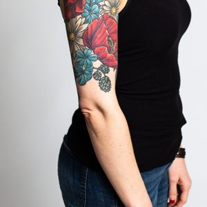 Floral 1/2 sleeve, poppies, daisies photo by Klover