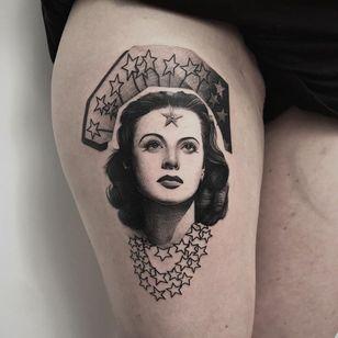 Tattoo by Patryk Chybowski #patrykchybowski #HedyLamarr #portrait #film #classicfilm #hollywood #ladyhead #star #stars #lady #actress #tipping #tipyourartist #tippingmakesithurtless #tippingisappreciated