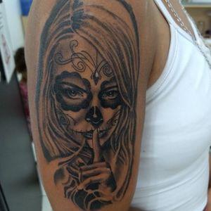 #catrinatatoo #tatuagemcatrina #tatuagenscatrina #mexicantattoo #mexicangirl #catrina #blackandgrey #blackandgreytattoo #pretoecinza #womantattoo