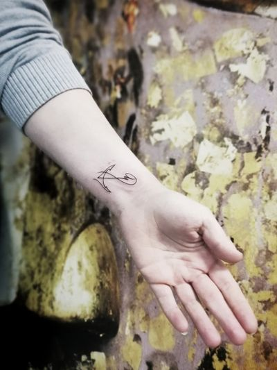 #Oneline #anchor #ratatoscr #fineline #nautical #blackwork #minimalism #contemporary #minimalstic